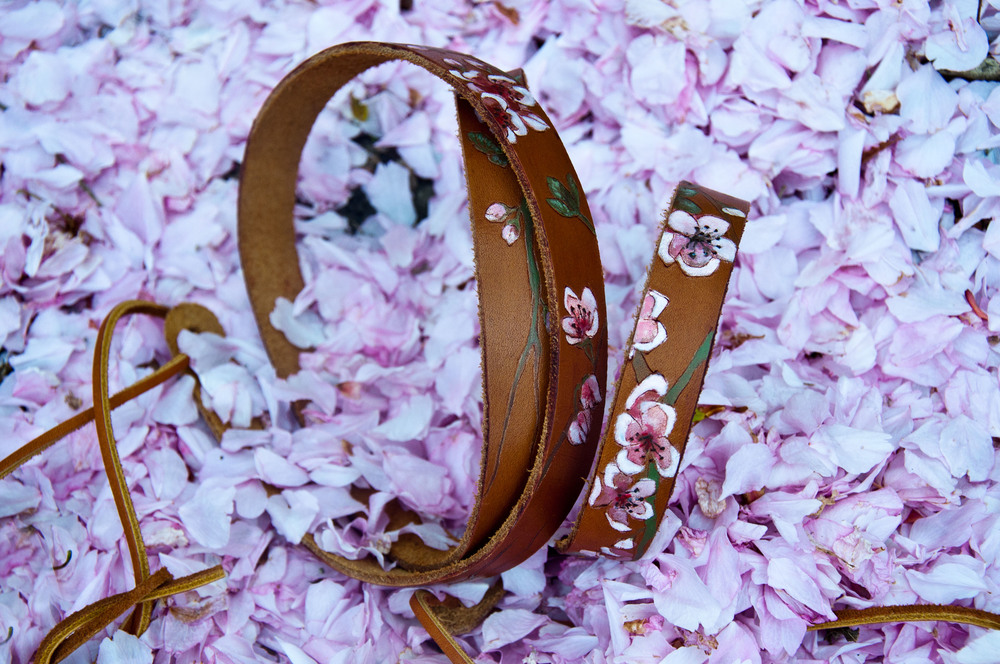 cherry-blossom-thin-leather-guitar-strap-gillian-welch-1.jpg