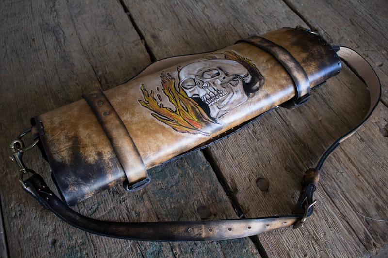flaming-skull-tom-knife-bag.jpg