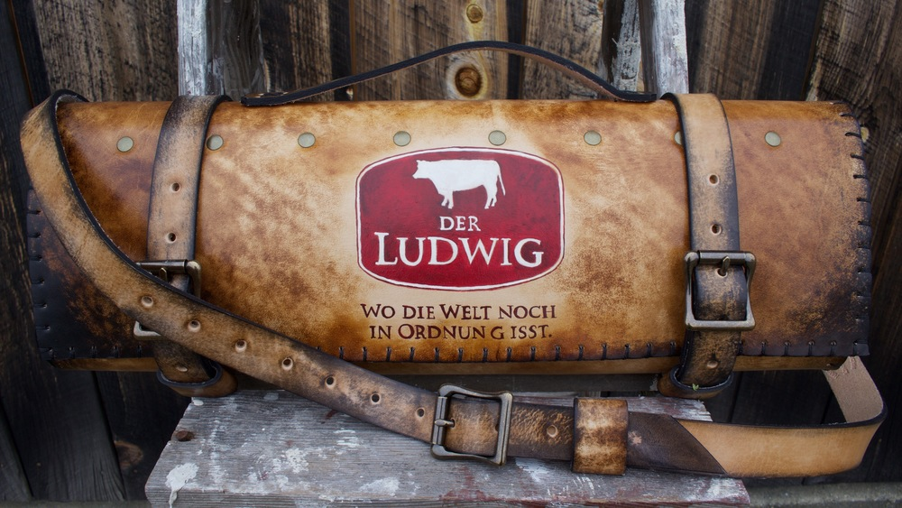 Rochini Roll Der Ludwig Knife Bag.jpg