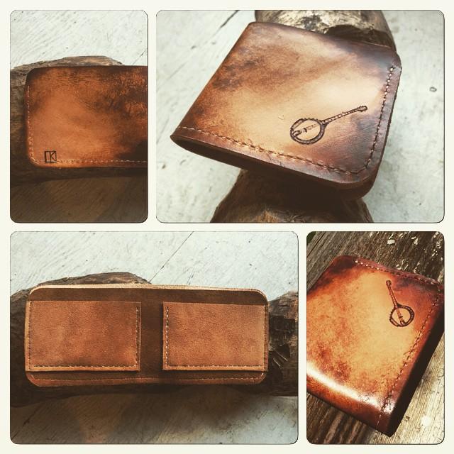 banjo wallet Linny Kenney.jpg