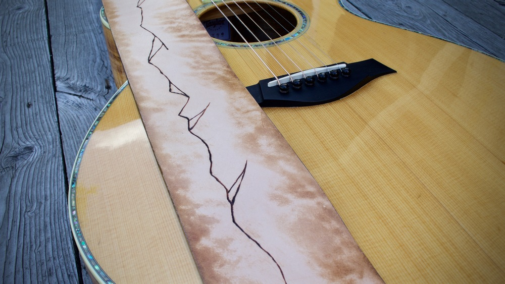 Mountain Ridge Guitar Strap  3.jpg
