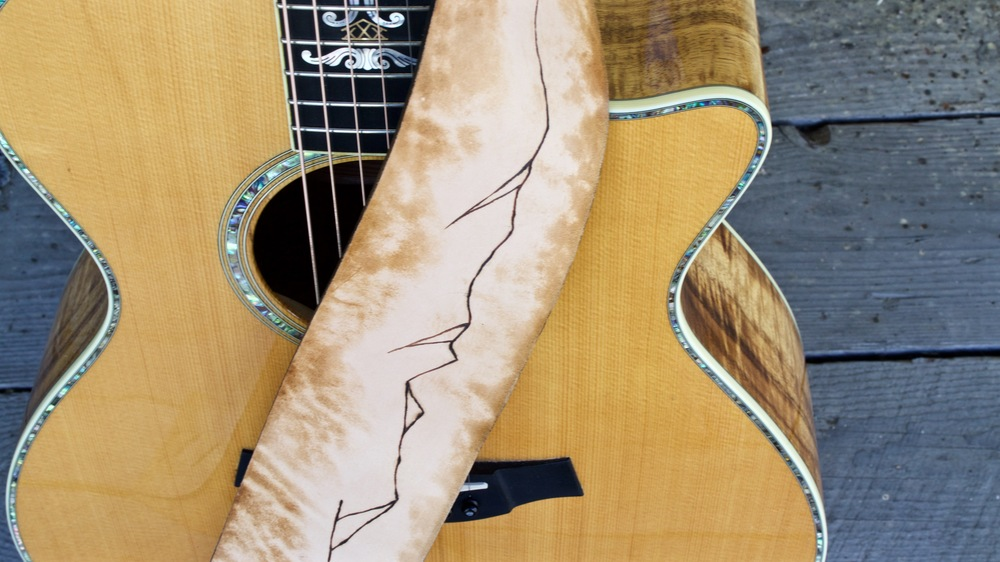 Mountain Ridge Guitar Strap 1.jpg