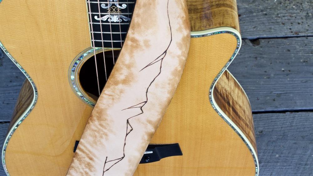 Mountain Ridge Guitar Strap 1.jpg