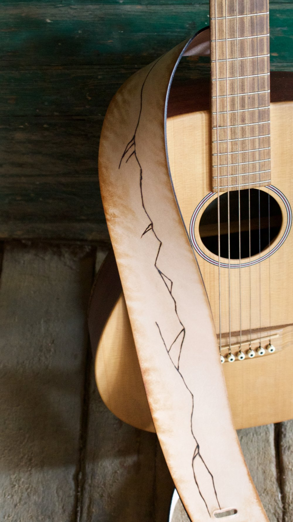 Mountain line guitar strap 1.jpg