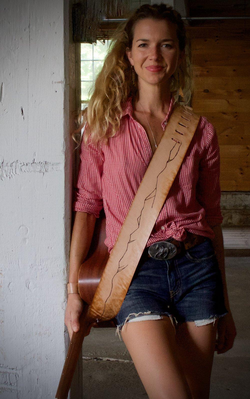 Mountain line guitar strap 6.jpg