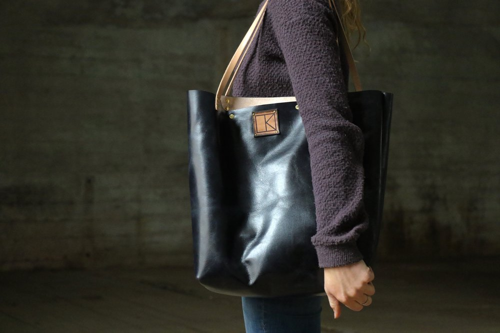 Black tote with bird 1.jpg