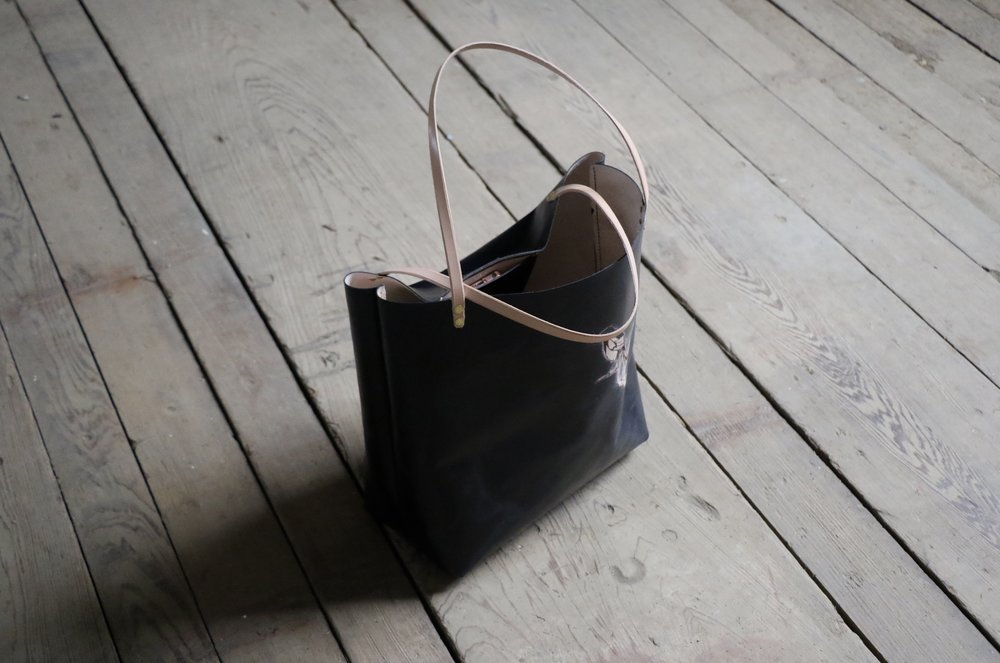 Black tote with bird 5.jpg