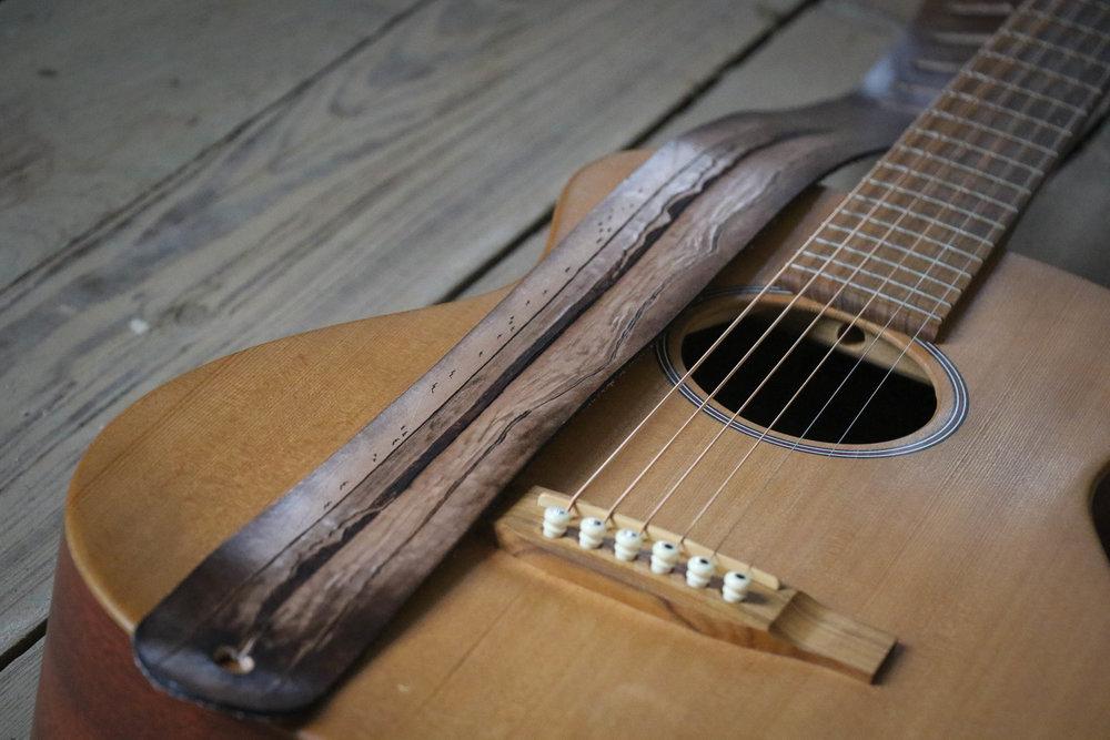 ocean guitar strap 1.jpg