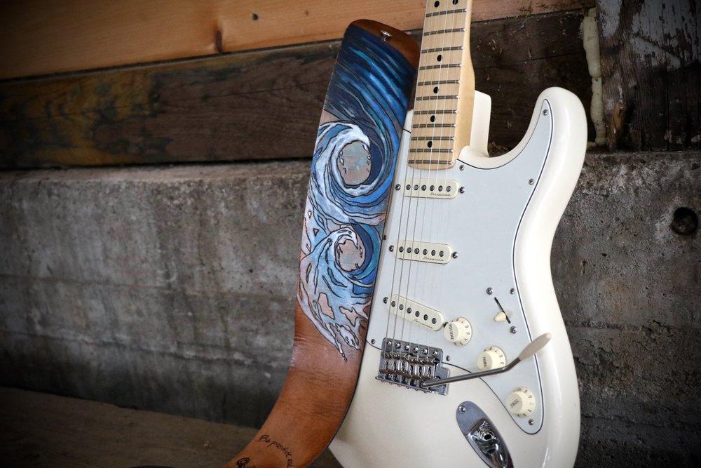 Wave Guitar strap 4.jpg