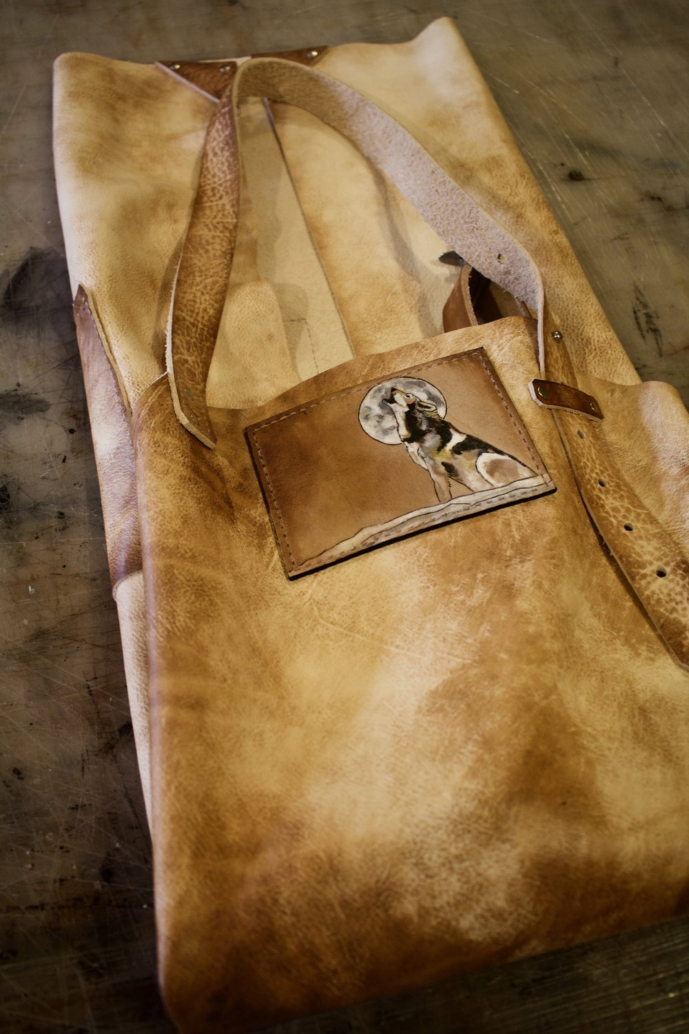 leather apron with wolf  11.jpg