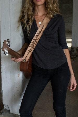 naked-girl-guitar-strap-pretty
