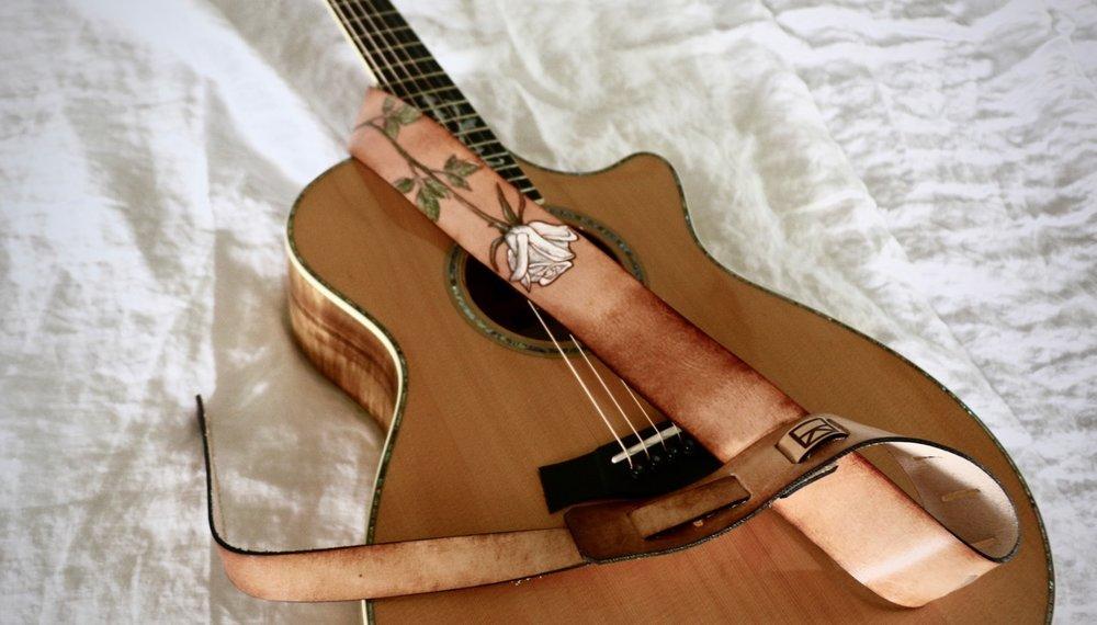 white rose guitar strap 1.jpg