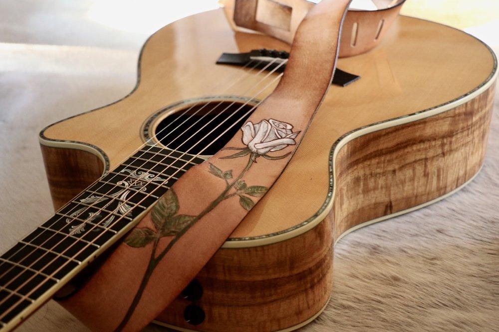 white rose guitar strap 4.jpg
