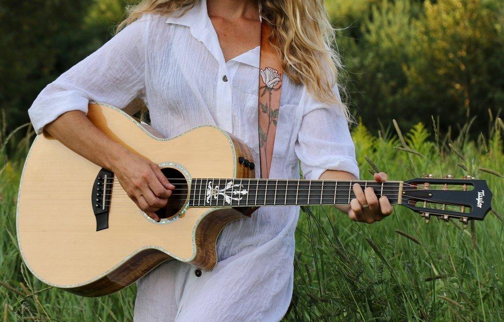 white rose guitar strap 6.jpg