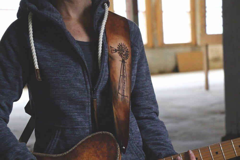 windmill guitar strap 4.jpg