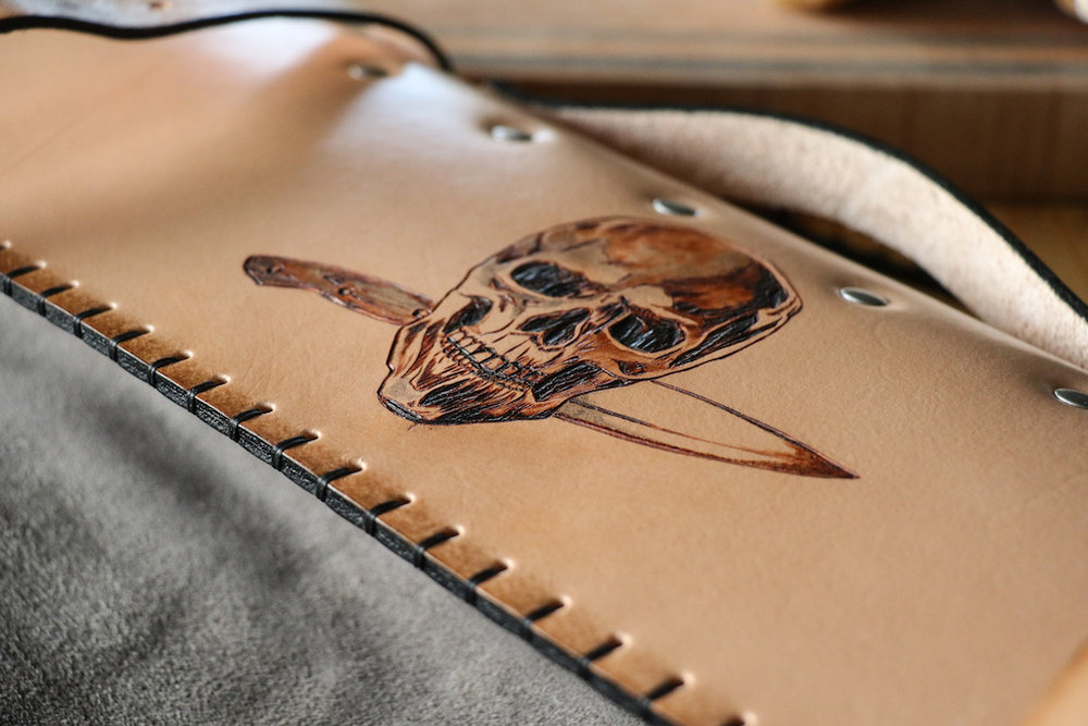 Skull Knife Roll