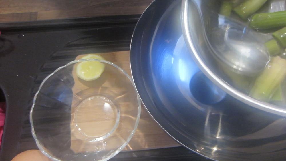 2014-04-25-Grüner-Spargel-mit-homemade-Sauce-hollandaise-7.jpg