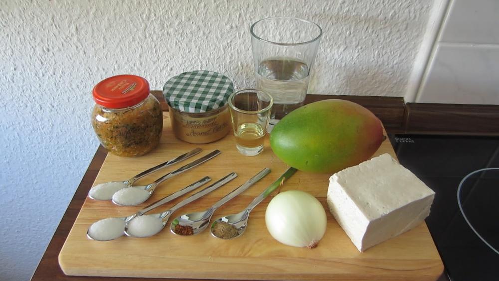 2014-08-22-Tofu-Mango-Erdnuss-1.jpg