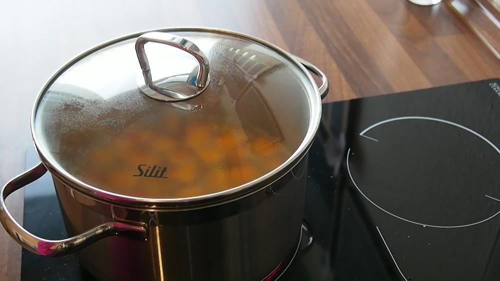 2014-10-27-Kürbis-Curry-Suppe-24.jpg