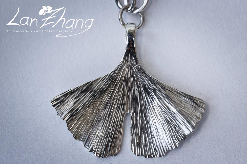 Gingko, Anhänger, Silber, groß, geschmiedet 1.jpg