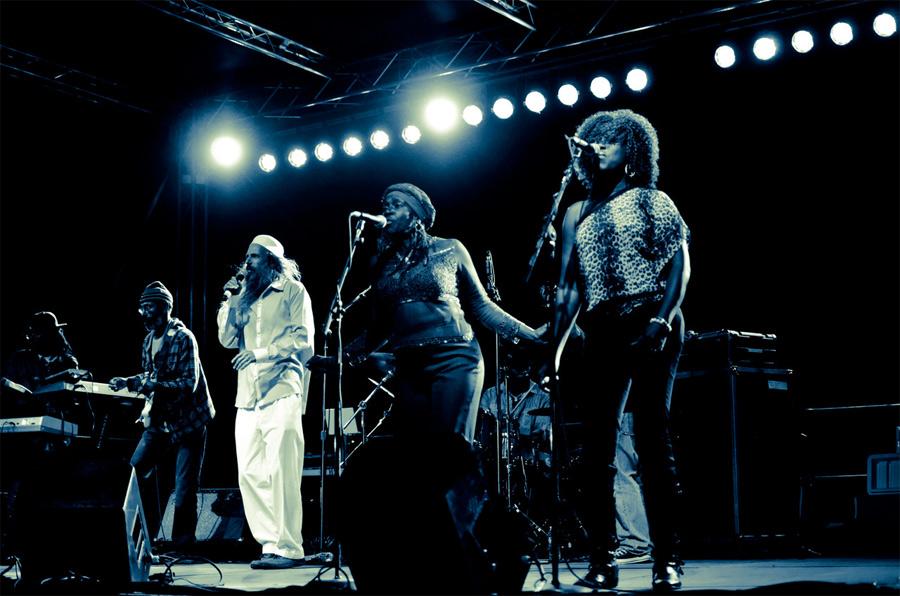 reggae angels performing.jpg