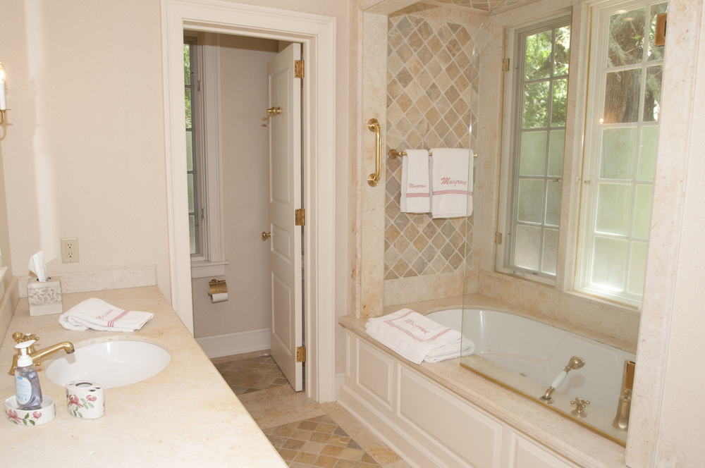 grove house guest bath.jpg