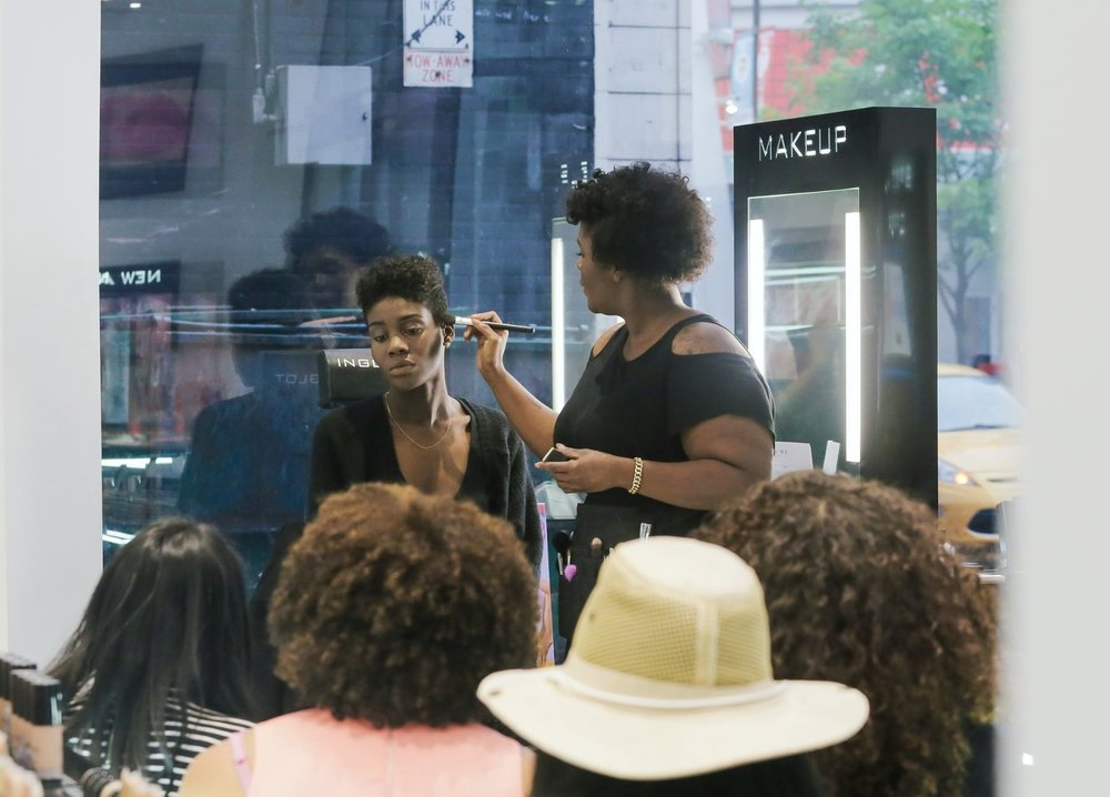 Masterclassess - HERday masterclasses reminds each and every woman to appreciate their natural beauty, to inspire women to become knowledgeable of products they use daily, and teach them how to accentuate their facial features using a holistic approach, the right tools and a few easy steps.Contact Temi Marie directly for one-on-one beauty consultations + private group workshops inquires.