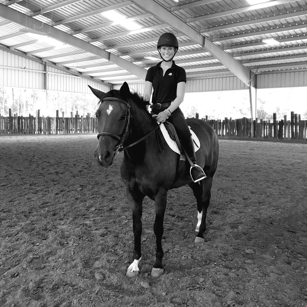 LESSONS - McLaren Equestrian offers lessons specializing in Hunter/Jumpers. Lessons start at beginner level and go up to grand prix level, ranging from ages child to adult.