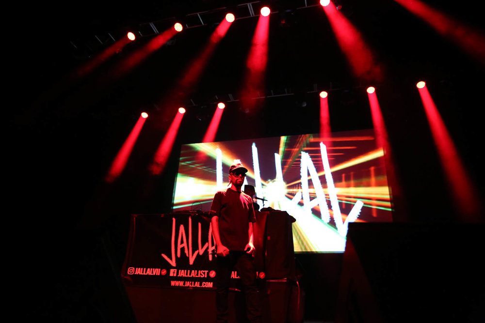 Jallal middle of stage.jpg