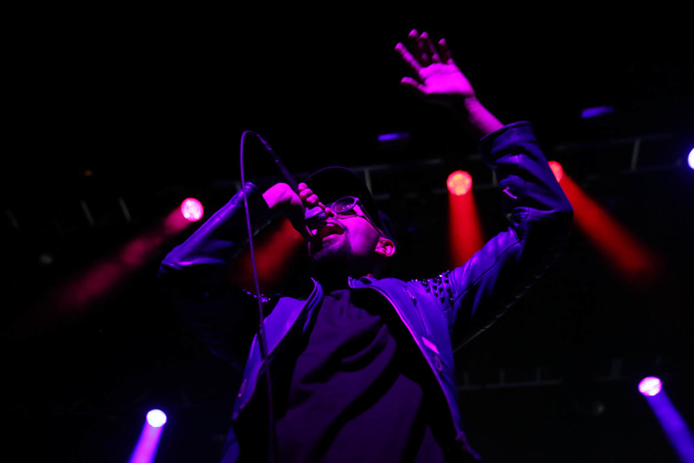 jallal stage light.jpg