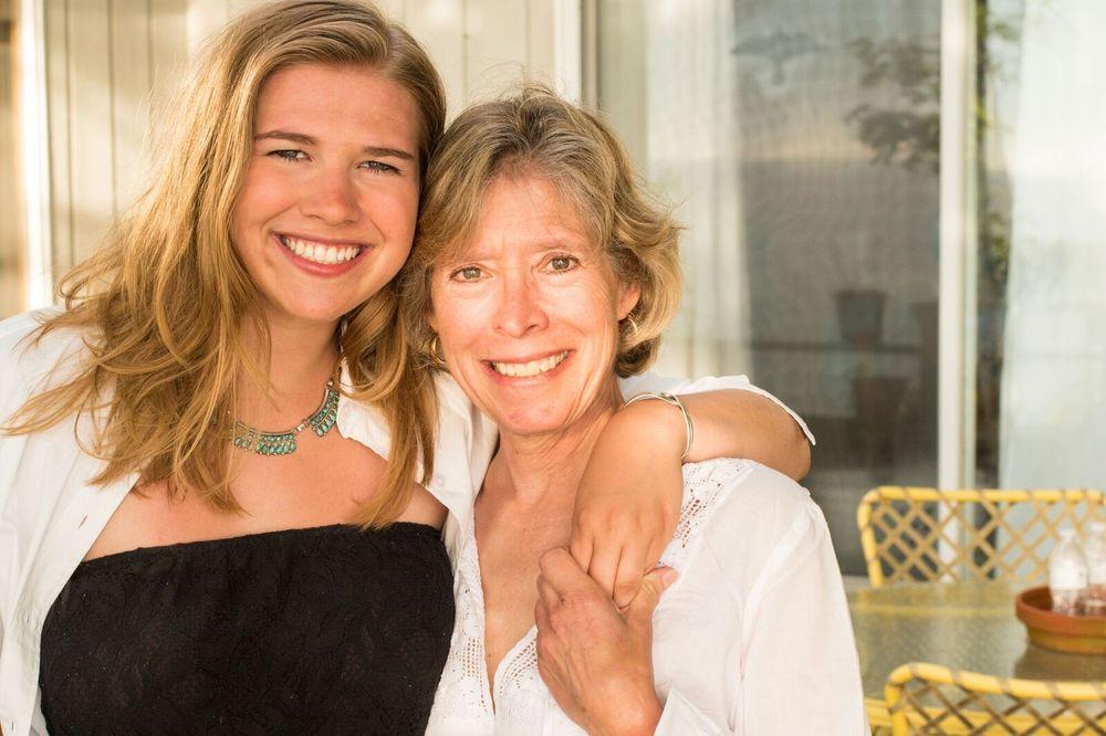 Leda & her mom