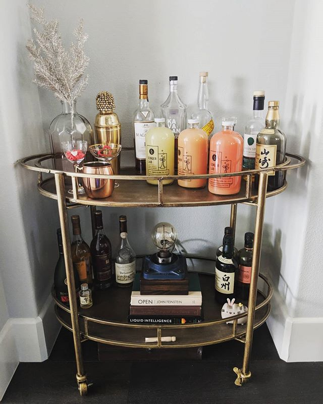 Valentine's day isn't just for the ladies!  Surprise him with some delicious ginger beer that pairs well with just about anything on his bar cart. Add some mint and lemon or lime garnish and voila!  A tasty cocktail to kick off or end the night.  #drinkgingerlab #smallbatch #gingerbeer  #barcart #cocktails #loveday #valentinesday #valetinesgift