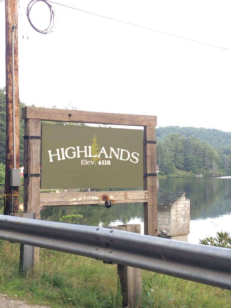 Highlands Sign.jpg