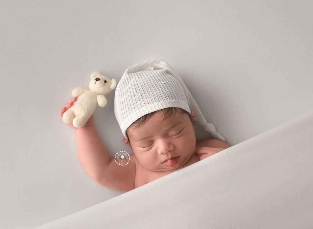 DSC_8500-Boca-Raton-newborn-photographer.png