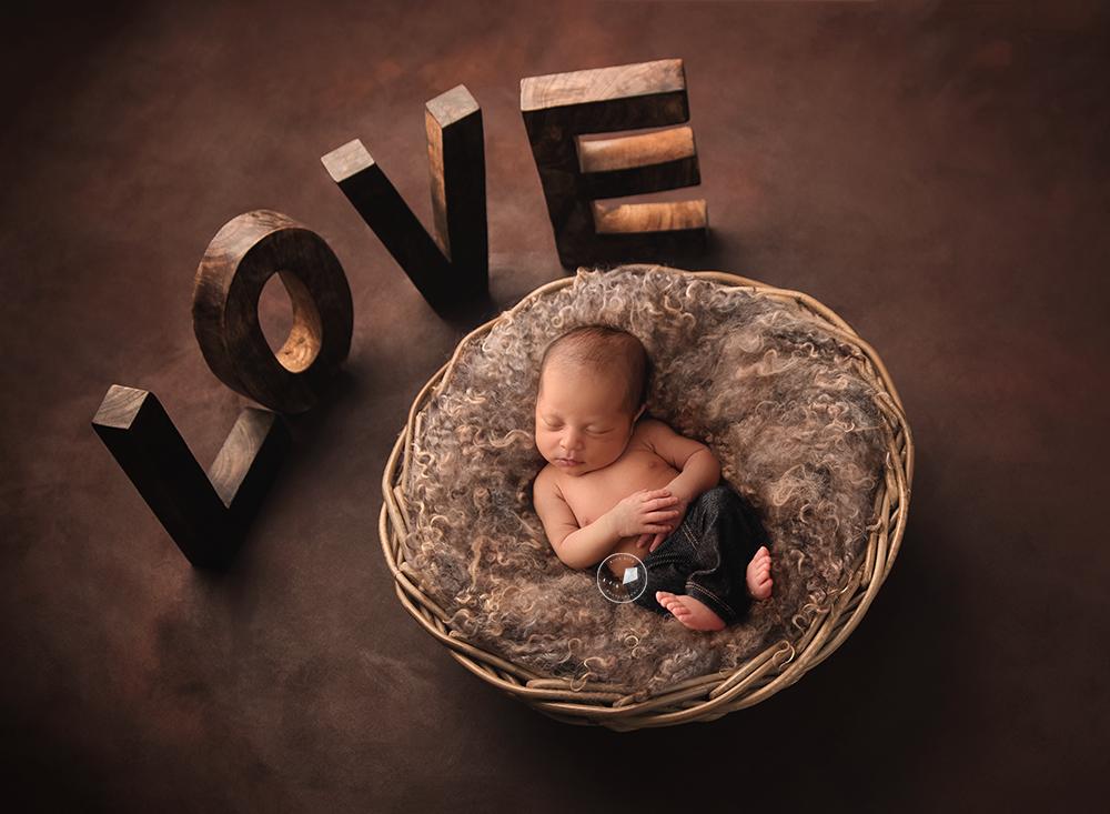 best newborn photographer in Delray