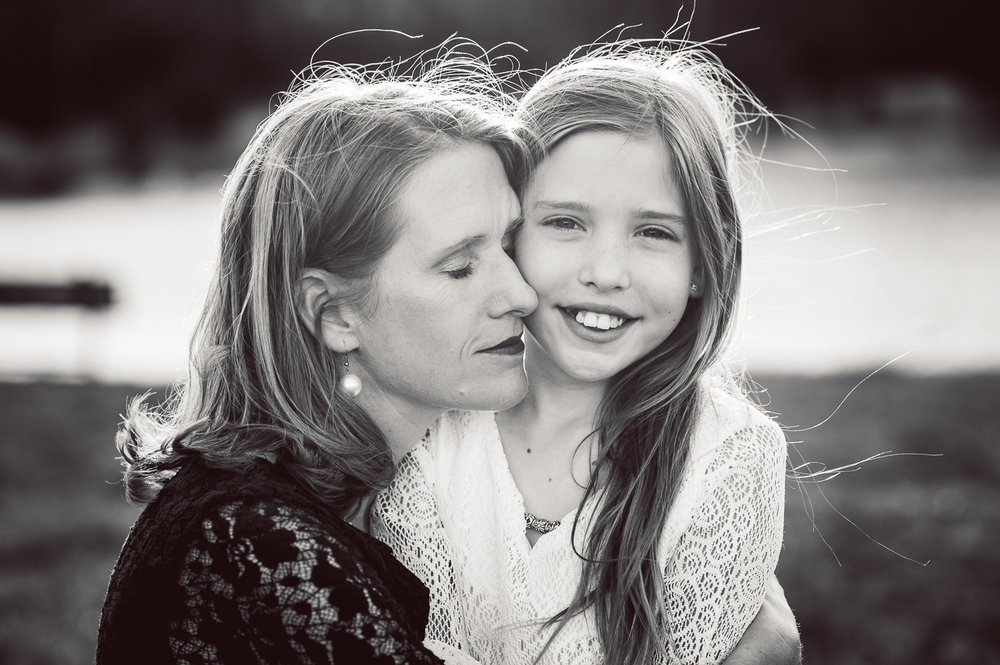 mom and daughter cheek to cheek - huntsville photographer