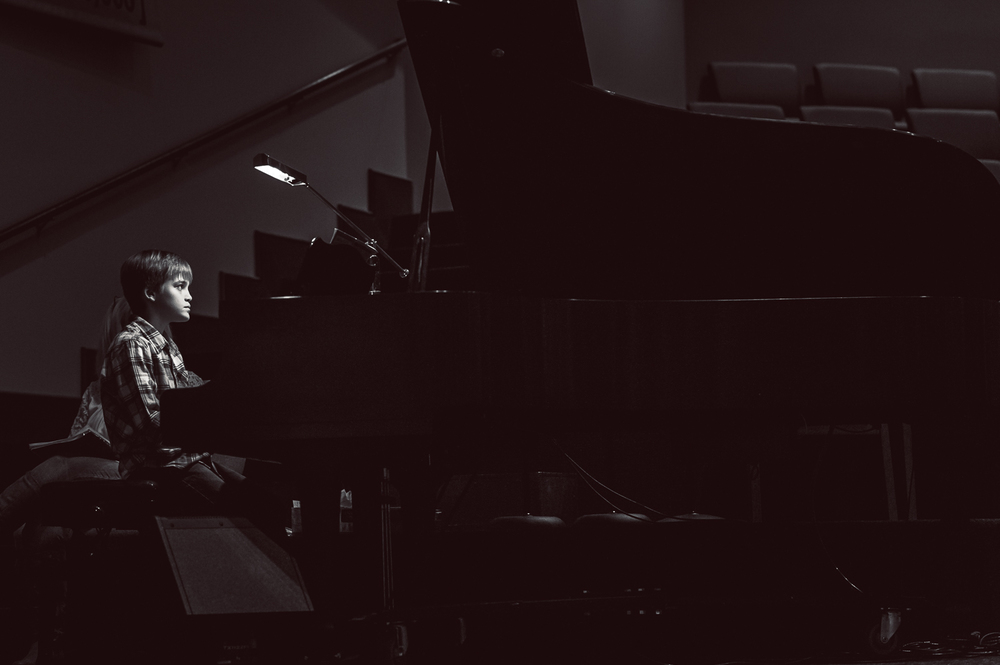 10-year-old playing piano | Huntsville photographer