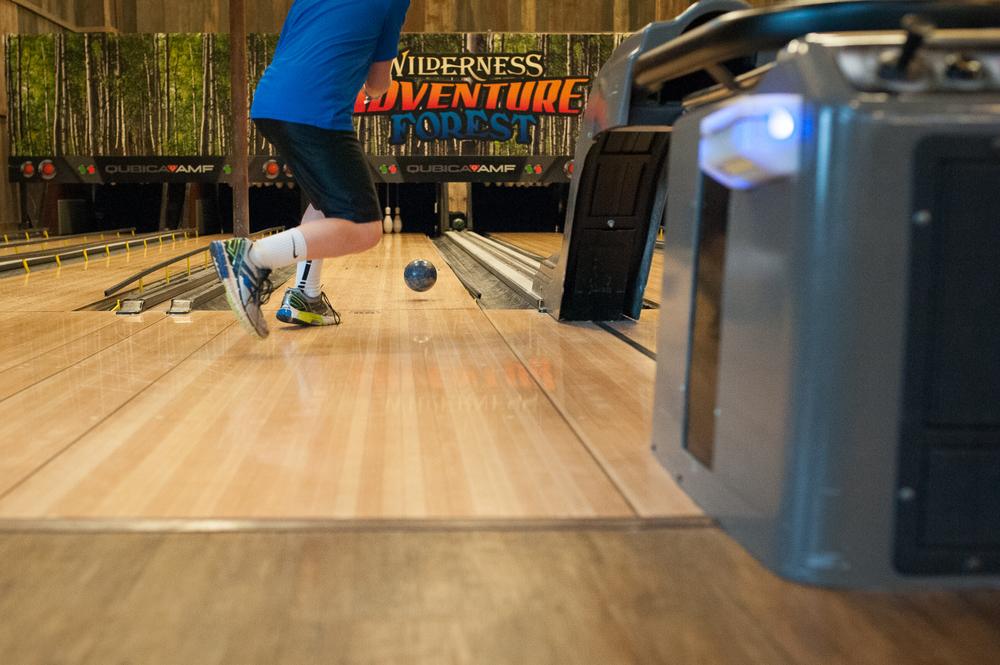 little boy bowling | Huntsville photographer