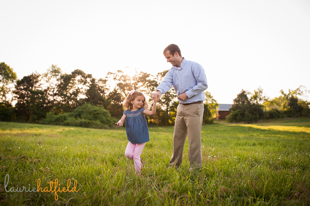 3-year-old girl dancing with dad | Huntsville family photographer