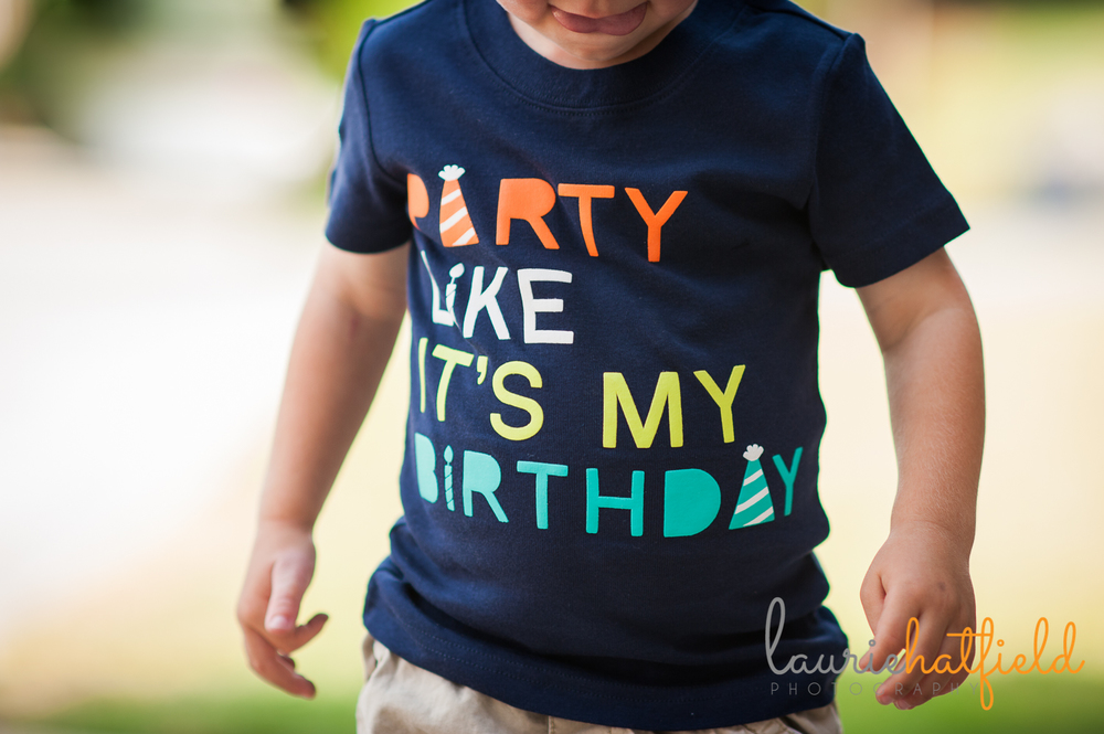 3-year-old with birthday shirt | Huntsville photographer