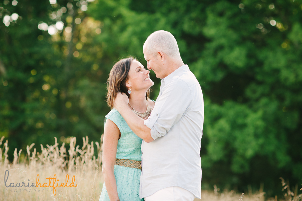 couple in field | Huntsville family photographer