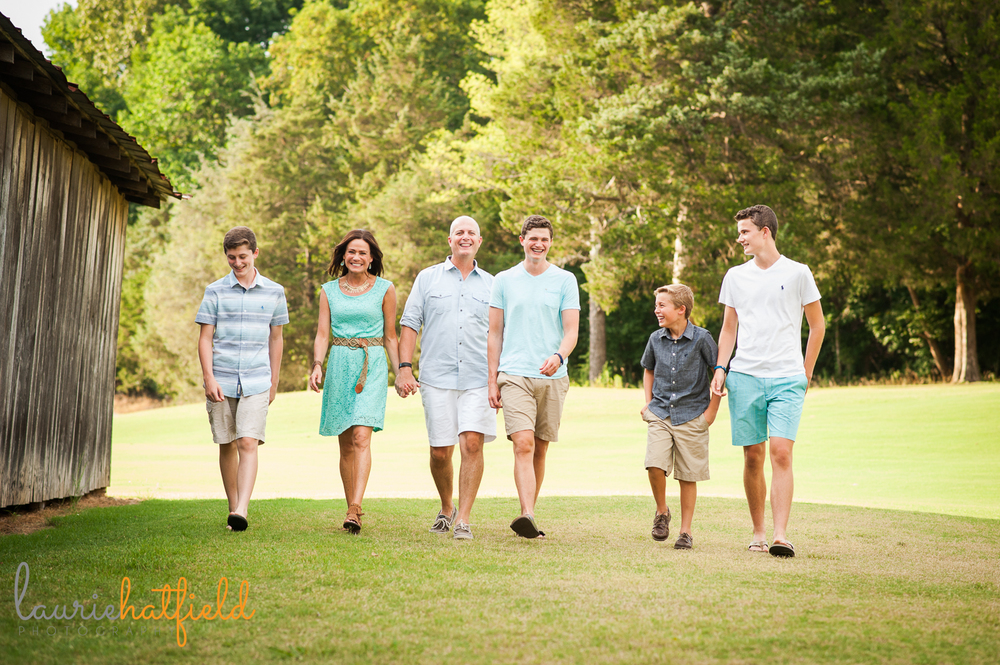 family of 6 walking in field | Huntsville photographer