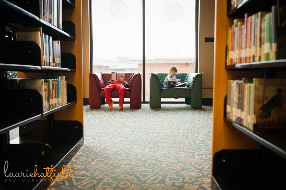 two boys in the library | Huntsville child photographer