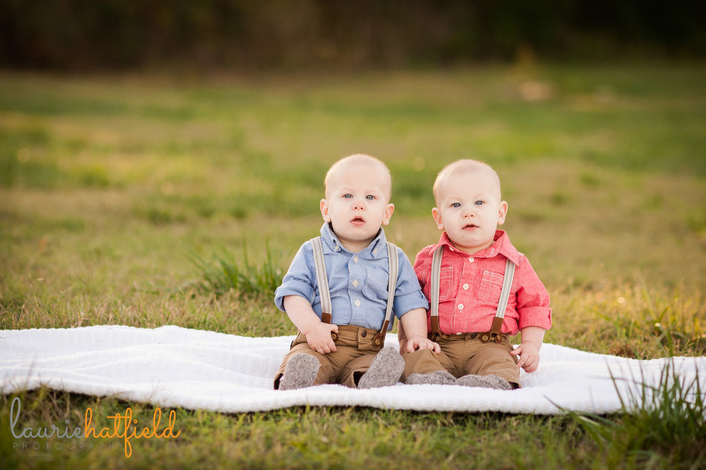 twin 9-month-old baby boys | Mobile baby photographer