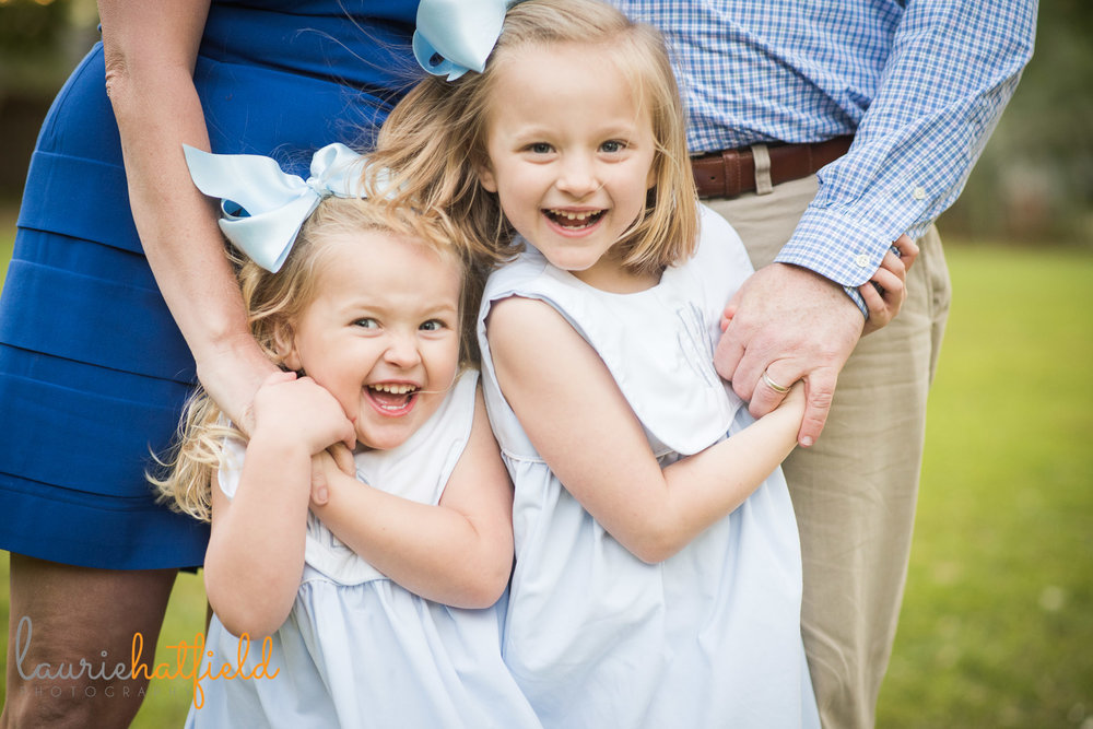 2 blonde sisters | Mobile AL lifestyle family photographer | Laurie Hatfield Photography