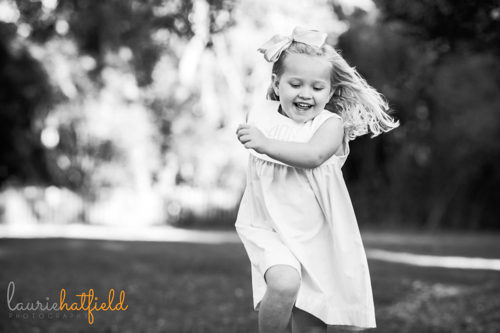 4-year-old girl skipping | Mobile AL lifestyle family photographer | Laurie Hatfield Photography