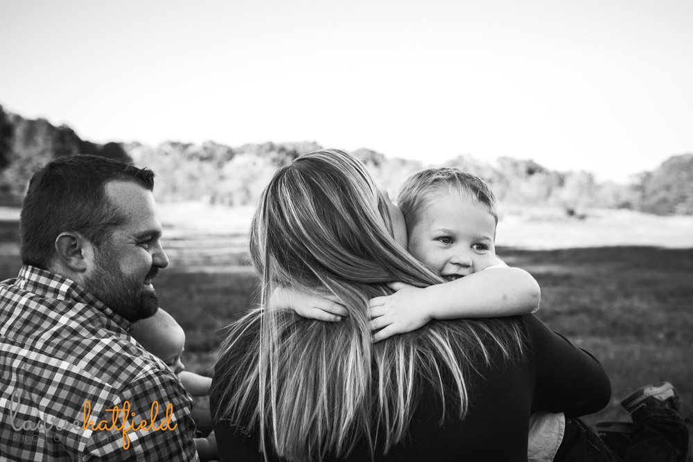 little boy hugging mom | Mobile AL family lifestyle photographer