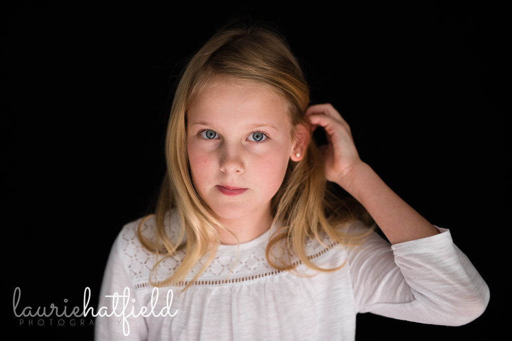 girl with blonde hair | Mobile AL boutique school photography