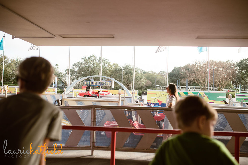 2 brothers at Tomorrowland Speedway | Pensacola FL family photographer