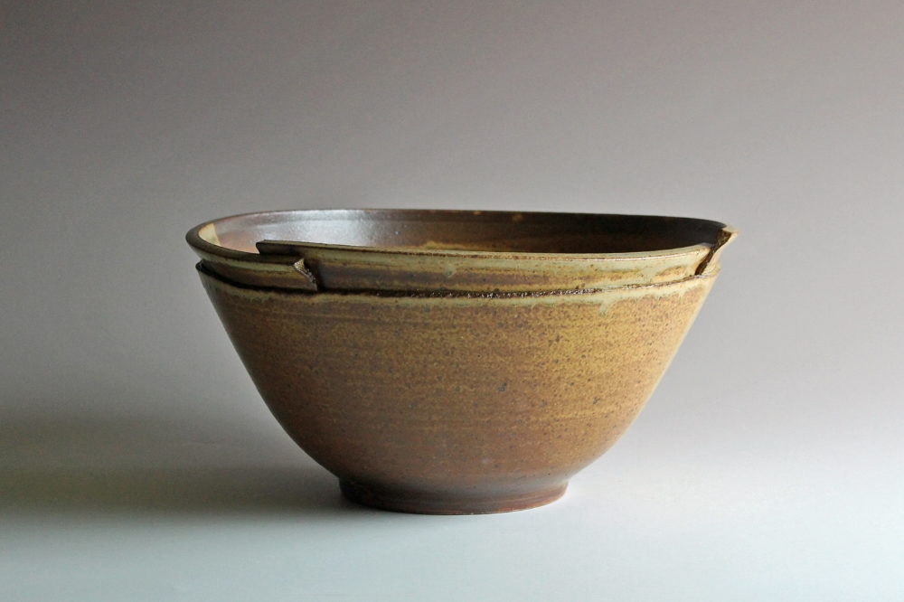 Serving bowl with ash glaze
